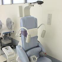 頸部腰部牽引治療装置